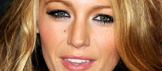 Blake Christina Lively renkli lens